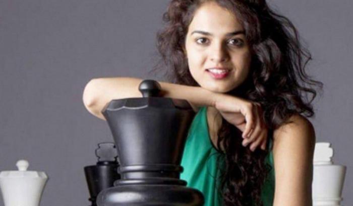 Sahmatcimiz dunya gozelleri arasinda. chess championship rekord baku azerbaycan voice
