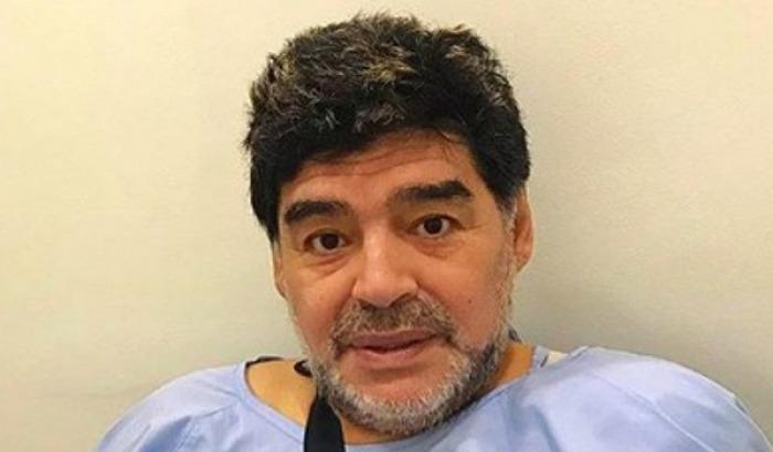 Maradona emeliyyat olundu, Argentina...